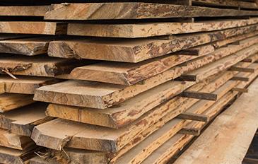 Une sélection rigoureuse des matière et notamment du bois pour la fabrication de nos sommiers